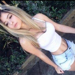 Fernanda 18anos apertadin